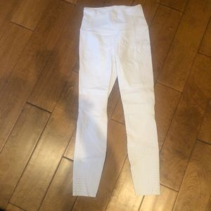 Lululemon White long leggings with leg detailing